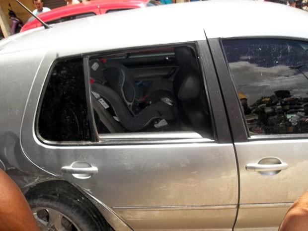 Criança estava no banco de trás do carro no momento do acidente em Mossoró (Foto: José Nílson Ferreira/Passando na Hora)