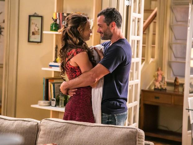 Mariana Ximenes e Malvino Salvador em cena da novela Haja Coração (Foto: Globo/Paulo Belote)