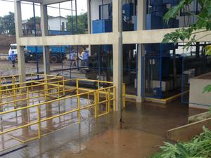Estação de captação de água na nascente do rio Dourados, em MS (Foto: Camilla Jovê/ TV Morena)