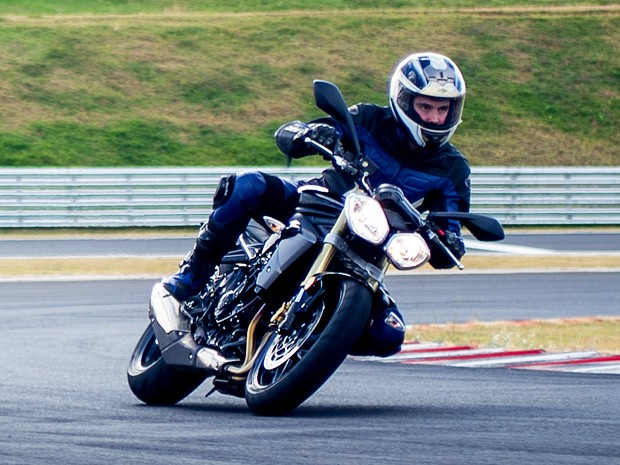 Triumph Street Triple (Foto: Flavio Moraes/G1)