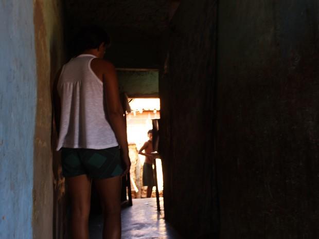 Mãe de um dos adolescentes diz que após o crime é apontada na rua pela população (Foto: Patrícia Andrade/G1)