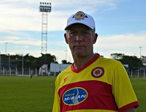Márcio Bittencourt, técnico do Vilhena-RO (Foto: Dennis Weber)
