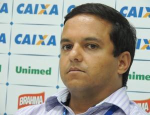 Julio Rondinelli, gerente de futebol do Avaí (Foto: Paulo Evangelista)