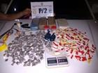 Operação da PM prende grupo que embalava drogas em Arraial, no RJ