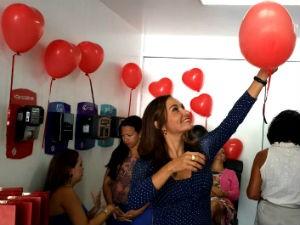 Apresentadora da TV Gazeta prestigia 'Espaço Mulher' (Foto: Divulgação/ Marketing OAM)