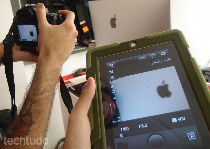 EOS 70D, da Canon, oferece a opção de fotografar pelo iPad via app disponível na App Store (Foto: Pedro Zambarda/TechTudo)