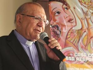 Arcebispo Dom Jacinto Pinto faloou sobre a Campanha de 2016 (Foto: Fernando Brito/G1)