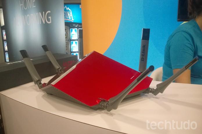 AC3200, da D-link, promete chegar a uma velocidade de até 3,2 Gbps (Foto: Elson de Souza/TechTudo)