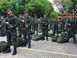 Homens do Exército no Piauí vão reforçar segurança em Rio Grande do Norte  (Foto: João Cunha/G1)