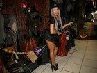 Ana Paula Minerato dá dicas de poção e de fantasias para o Dia das Bruxas