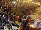 Com receio de tremores na Espanha, multidão passa madrugada nas ruas
