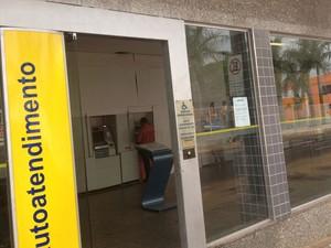 Agência do Banco do Brasil foi a primeira a ser atacada neste ano em Uberlândia (Foto: Caroline Aleixo/G1)