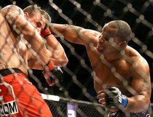 UFC Daniel Cormier luta Frank Mir AP (Foto: AP)