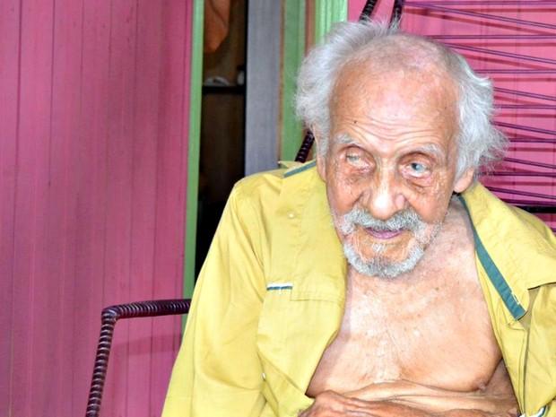 Ex-seringueiro nasceu em 10 de março de 1884 em Meruoca (CE). Hoje, ele mora no interior do Acre  (Foto: Alexandre Santana/Arquivo pessoal )