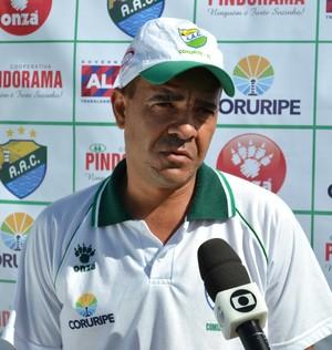 Evandro Guimarães, técnico do Coruripe (Foto: Jota Rufino/GloboEsporte.com)