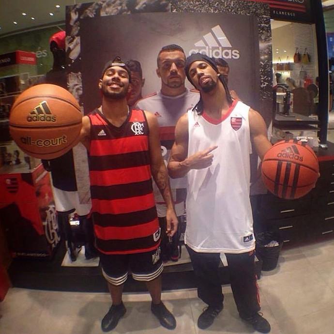 Novos uniformes do time de basquete do Flamengo vazaram na internet (Foto: Reprodução/Facebook)