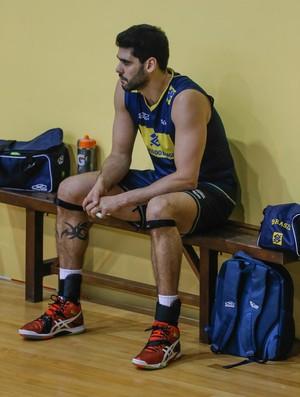 Evandro treino seleção vôlei  (Foto: Marcelo Régua/Inovafoto/CBV)