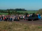 Suinocultores bloqueiam rodovia pedindo aumento do preço da carne