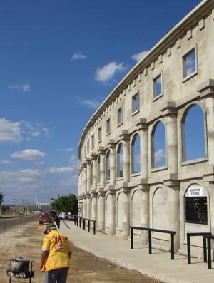 Coliseu de Alto Santo fachada (Foto: Juscelino Filho)