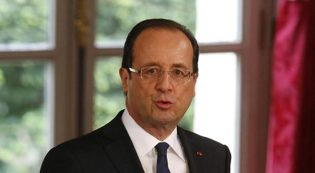 O socialista François Hollande discursa ao tomar posse do governo da França nesta terça-feira (15) em Paris (Foto: AP)