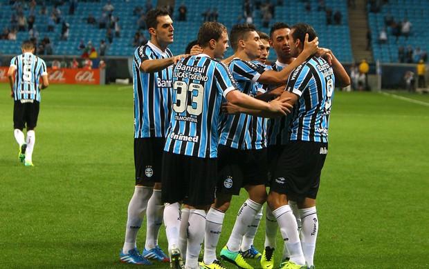 Grupo do Grêmio na vitoria contra o Corinthians (Foto: Lucas Uebel / Grêmio, DVG)