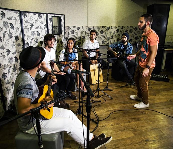 Bandas aproveitaram dia fora do SuperStar para gravarem juntos (Foto: Arquivo pessoal)