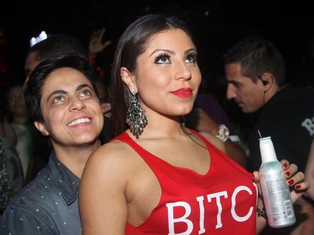 Thammy Miranda e a namorada, Andressa Ferreira, em show em São Paulo (Foto: Thiago Duran/ Ag. News)