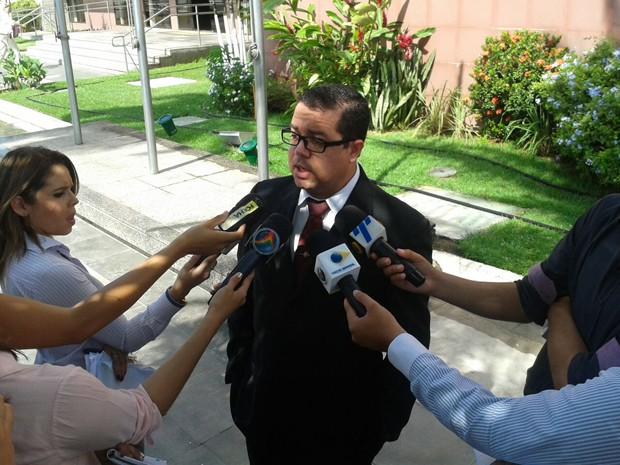 Advogado de Bruna, Rômulo Lyra está confiante. Ele vai defender que participação da cliente nos crimes foi menor (Foto: Katherine Coutinho/G1)