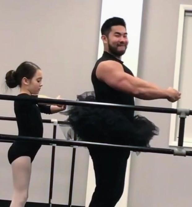 Pai e filha (Foto: Reprodução Facebook)