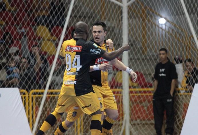 Falcão Sorocaba x Tubarão LNF (Foto: Guilherme Mansueto/Magnus Futsal)