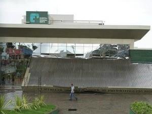 marquise de hostpiral regionald e sobral caiu (Foto: TV Diário/Reprodução)