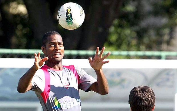 Dedé no treino do Vasco (Foto: Marcelo Sadio / Site Oficial do Vasco da Gama)