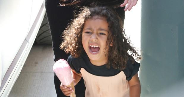 North West, filha de Kim Kardashian e Kanye West (Foto: The Grosby Group)
