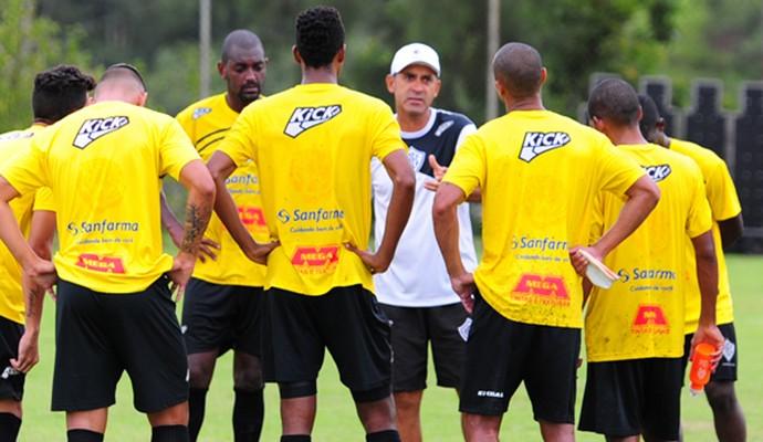 Rio Branco-SP treino Americana (Foto: Sanderson Barbarini / Foco no Esporte)