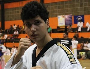 Atleta se destaca em torneio e usa taekwondo para passar em vestibular  (Foto: Josiel Martins)