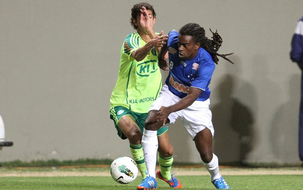 Tinga, Cruzeiro x Palmeiras (Foto: Ramon Bitencourt / Vipcomm)