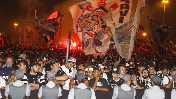 Torcida Corinthians (Foto: Gustavo Tilio)