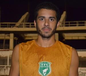 João Victor chamou atenção do técnico Zé Teodoro e irá compor a equipe profissional (Foto: Weldon Luciano/GloboEsporte.com)