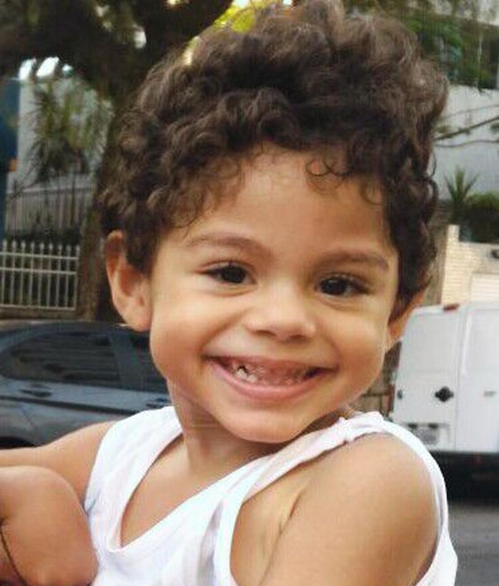 Sorriso de Matheus esconde a luta pela vida desde que nasceu (Foto: Arquivo Pessoal)