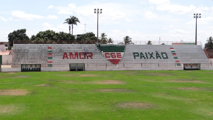 Estádio Juca Sampaio, em Palmeira dos Índios-AL (Foto: Leonardo Freire/GloboEsporte.com)
