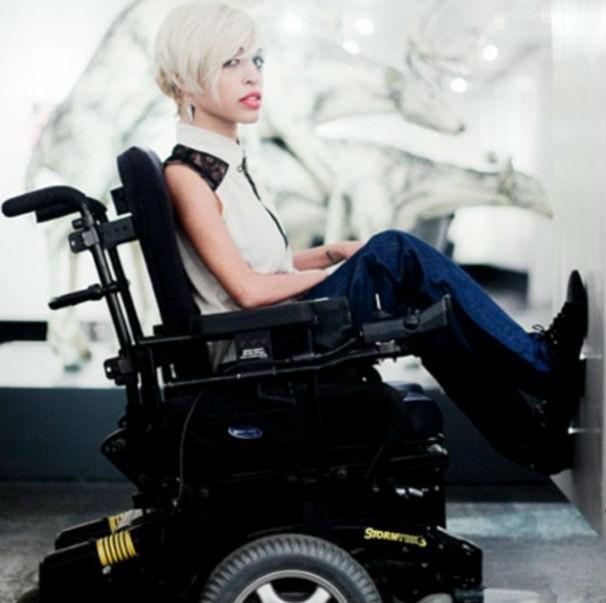 """""""Você não deve nunca deixar que suas limitações físicas sejam maiores do que seus sonhos"""", diz Jillian (Foto: facebook)"""