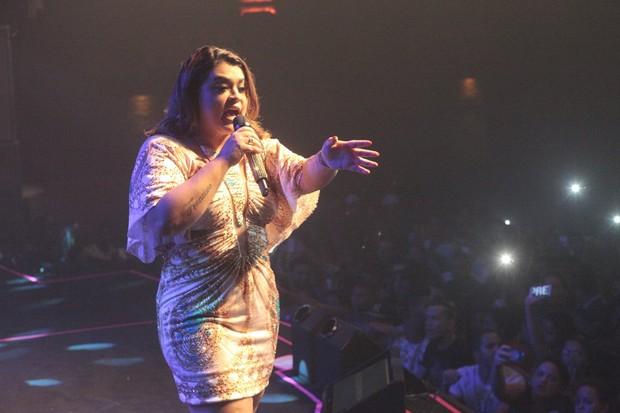 Preta Gil em show na Zona Oeste do Rio (Foto: Isac Luz/ EGO)