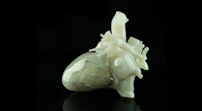 Molde de coração fabricado por uma impressora 3D  (Foto: Divulgação/Materialise)