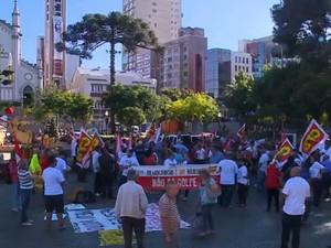 Em Caxias do Sul, cerca de 150 pessoas participaram de movimento, segundo organização (Foto: Reprodução/RBS TV)