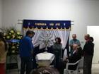 Corpo de Célio Borges, pai do Ken Humano, é velado em Minas Gerais