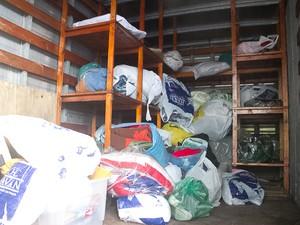 Fiéis aproveitaram Corpus Christi para doar cobertores em Criciúma (Foto: Divulgação)