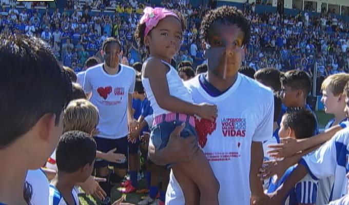 máscara jogadores do Aimoré x Inter (Foto: Reprodução/RBS TV)