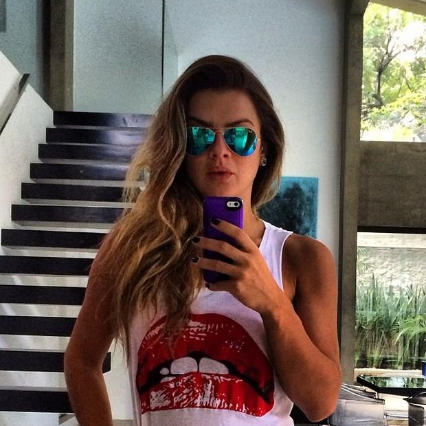 Mirella Santos tira foto sem mostrar barriga (Foto: Instagram / Reprodução)