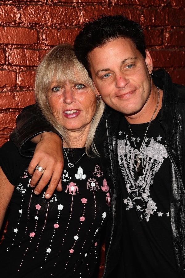 O ator Corey Haim com sua mãe, Judy Haim (Foto: Getty Images)