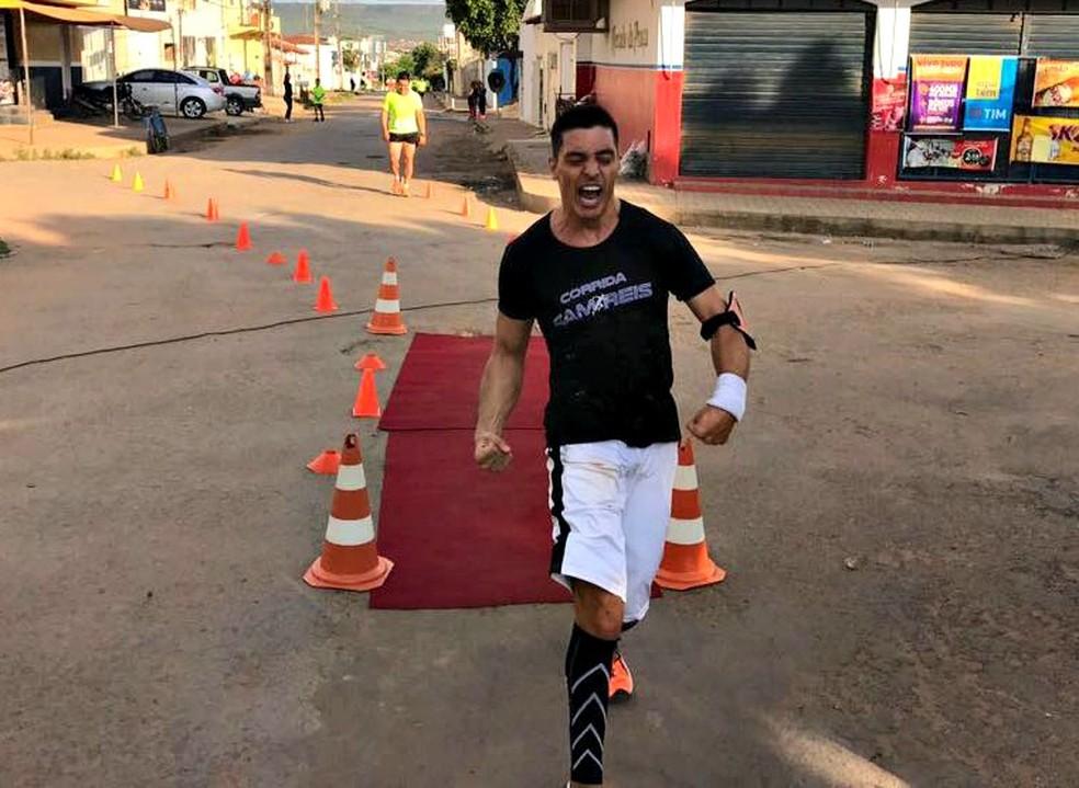 Samuel começou a correr para evitar depressão e encontrou no triatlo um novo desafio (Foto: Arquivo pessoal)